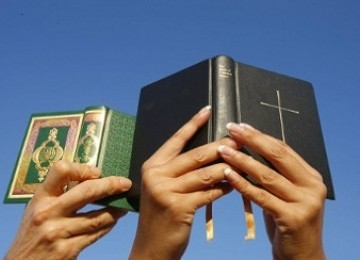Al-Quran dan Alkitab