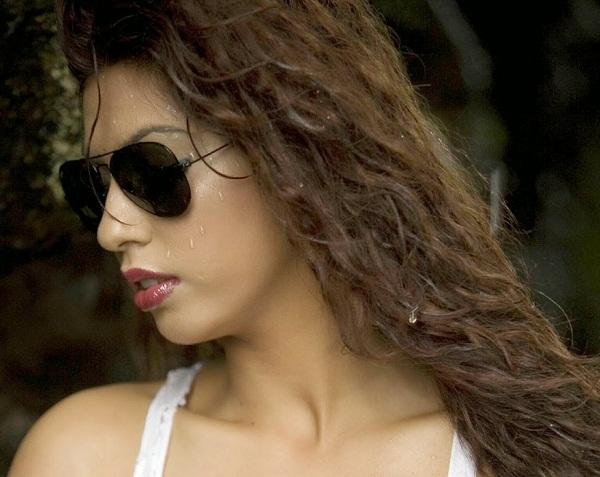 Priya Soni Hot