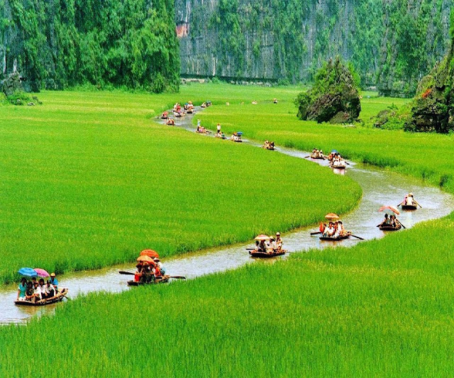beautiful place for boating Vietnam