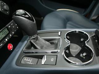 Tips dan Panduan Mengemudikan Mobil Matic di Tanjakan Macet