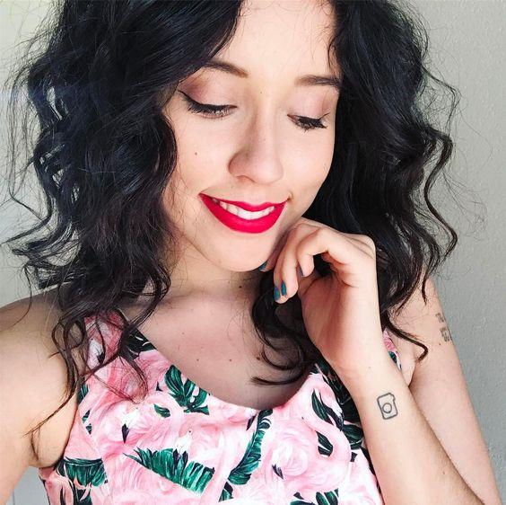 As Youtubers e blogueiras brasileiras, são muito conhecidas por renovar e criar novas ideias e influenciar os seguidores. Elas falam sobre moda, beleza, maquiagem, bem estar, cabelo, decoração, vlogs, comportamento e muito mais. O conteúdo é muito bom e vale a pena conferir cada uma dessas maravilhosas que brilham no mundo da internet. Separamos 10 Youtubers para você conhecer.