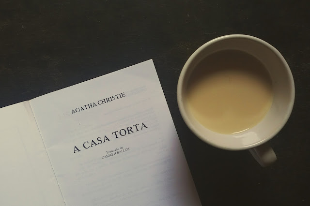 Resenha literária A Casa Torta, Agatha Christie