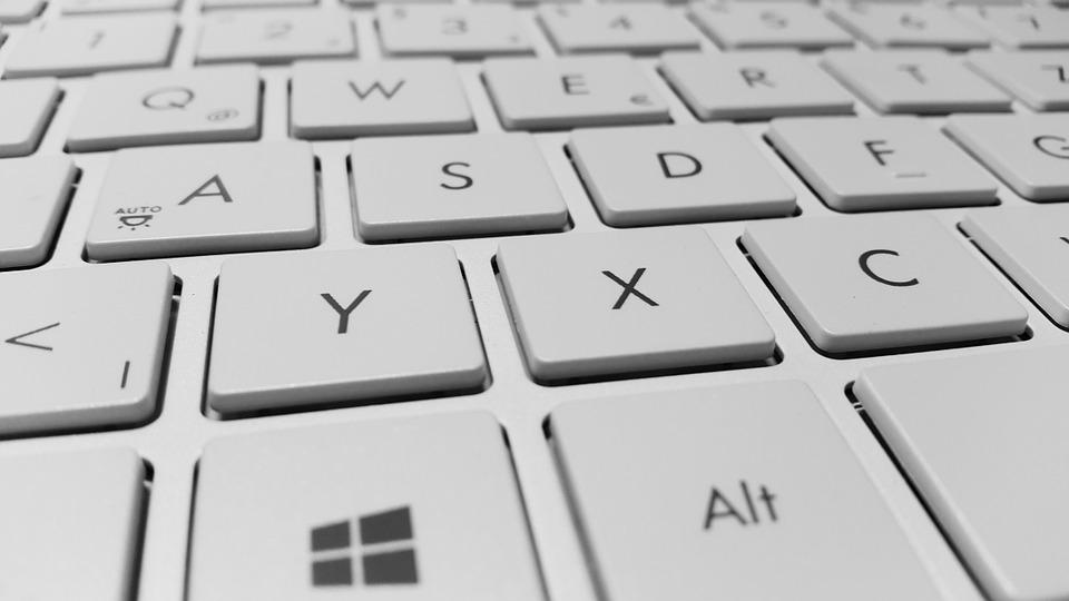 Cómo crear un keylogger usando el bloc de notas