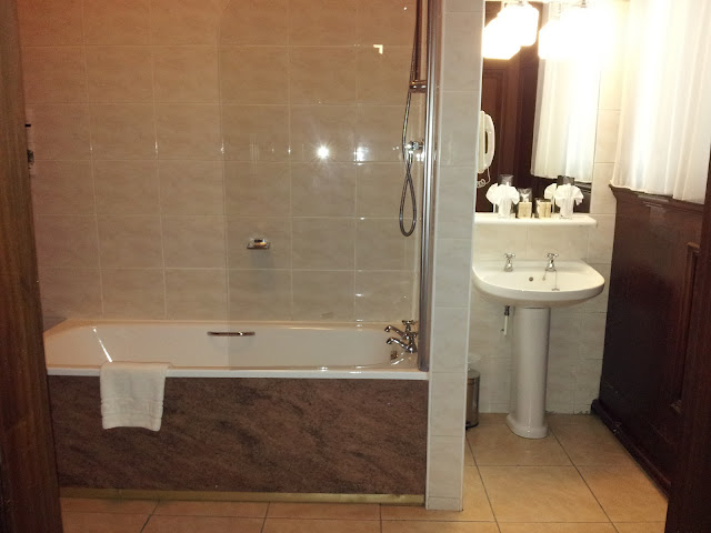 The Palace Hotel Manchester Bathroom