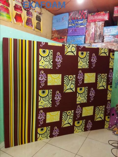 Kasur inoac terbaru motif abstrak batik kotak