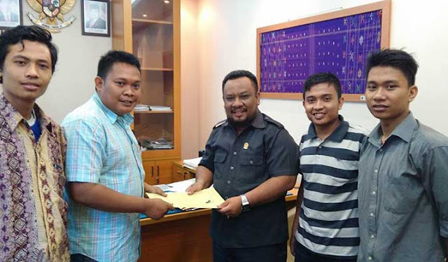 SMAP Serahkan Berkas Aduan Terkait PT. BSP ke Komisi E DPRD Sumut