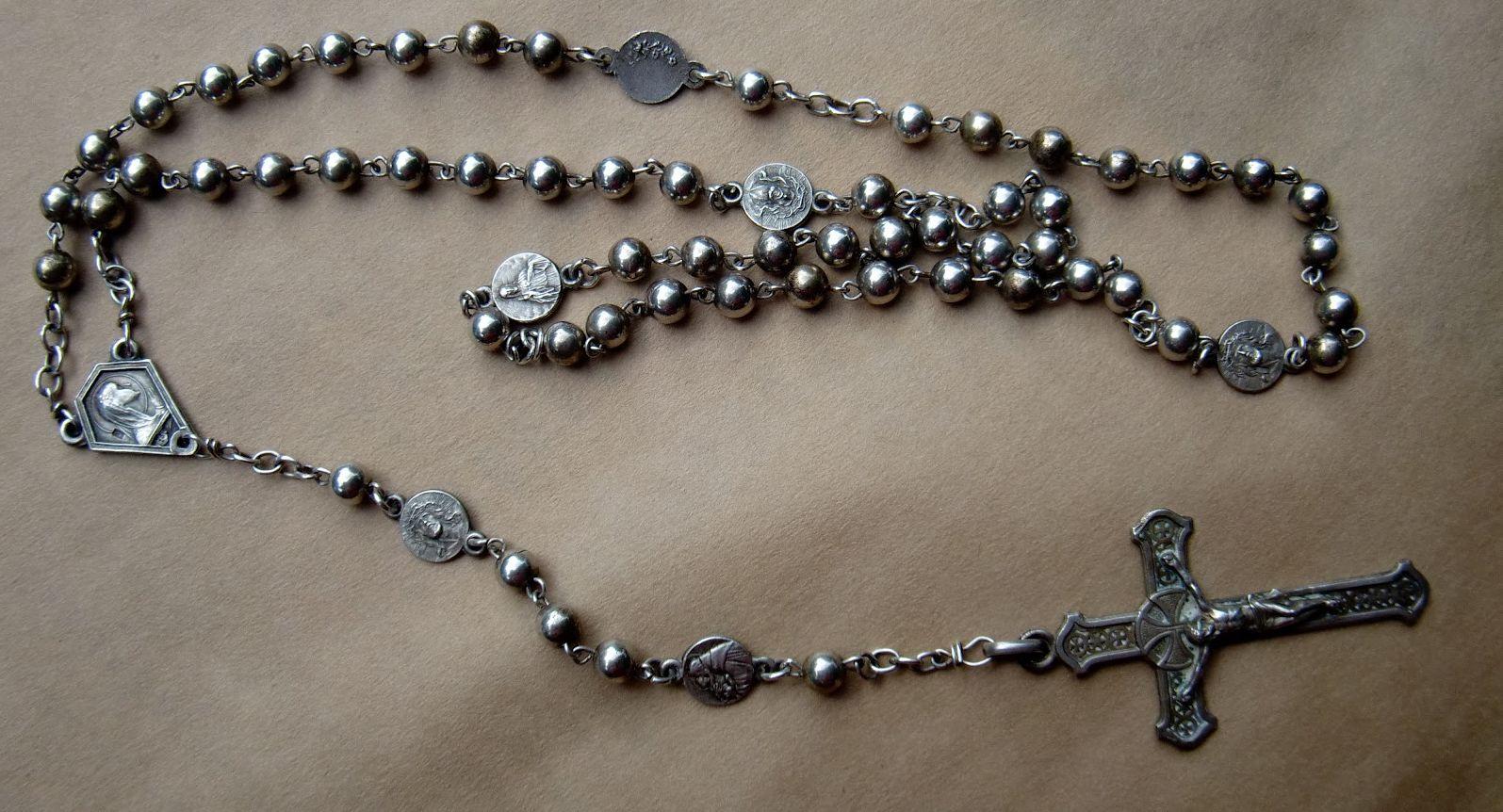 Los poemas de la nana for Como limpiar un rosario de plata