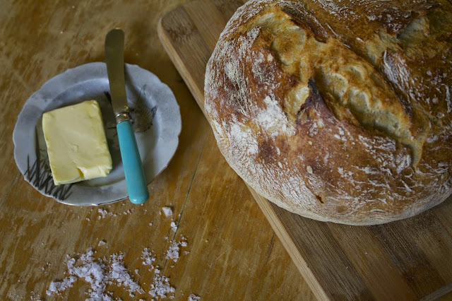 An easy recipe for no knead bread