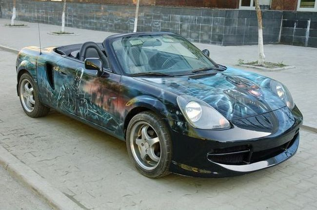 Auto pintado con aerógrafo