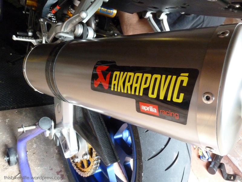 Speedmonkey: Living With - Aprilia RSV1000R Factory