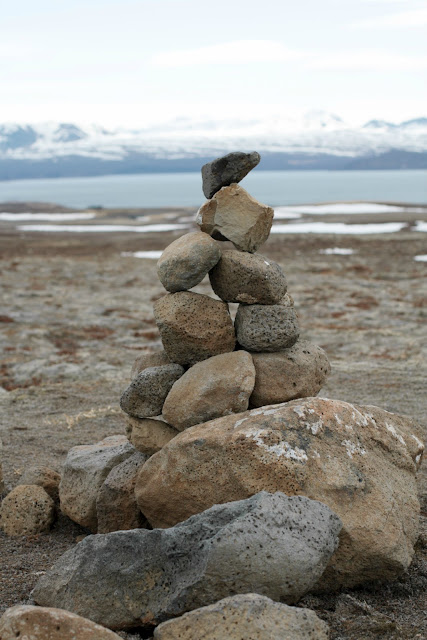 If you are visiting Þingvellir National Park be sure to stop off to look at the piles of balancing stones, steinvarða or cairns!
