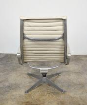 Select Modern Eames Herman Miller Aluminum Group Lounge