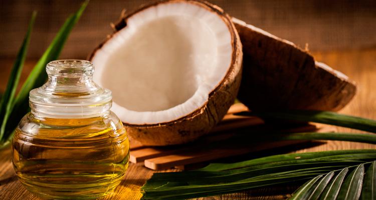 Óleo de coco tem mais gordura saturada que a carne - Foto: Reprodução