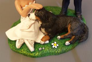 statuine sposi con cane personalizzato matrimonio animali domestici bovaro orme magiche
