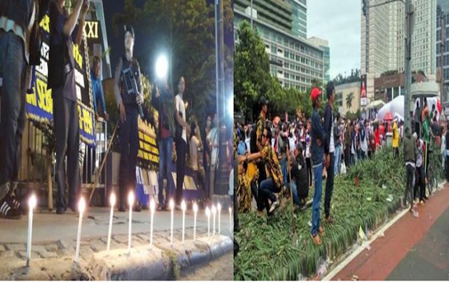 Ahoker Sedih Karangan Bunga Dibakar Buruh, tapi Lupa Parade Bhineka Injak-injak Tanaman