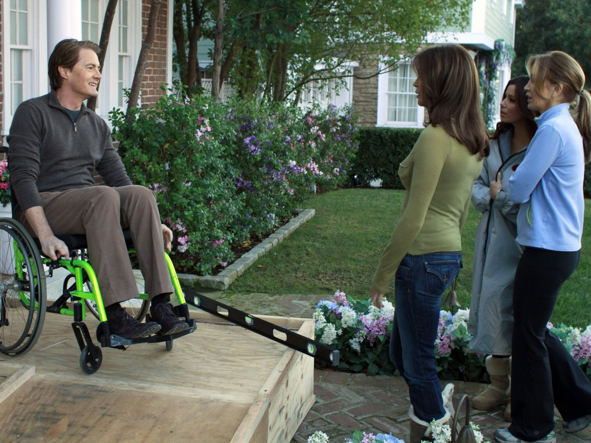 Desperate Housewives - Season 8 Episode 14: Get Out of My Life
