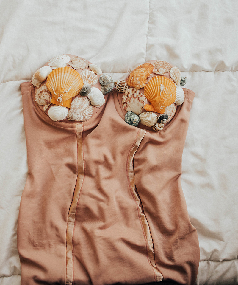 homemade mermaid costume, homemade mermaid bra, DIY halloween costume