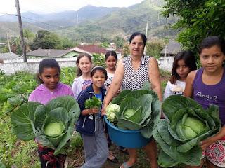 Projeto da Cooperafloresta incentiva criação de hortas agroflorestais