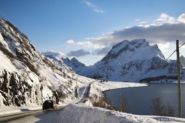 Islas Lofoten, carretera en invierno por El Guisante Verde Project