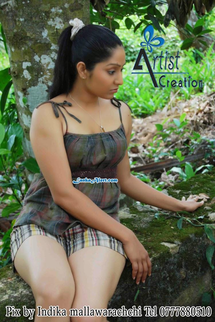 Nude indian girls ass