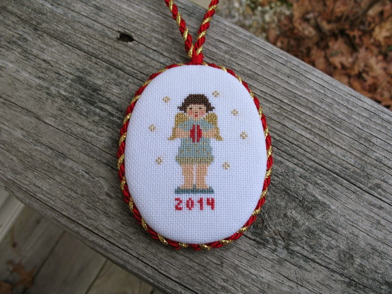 Garden Of Stitches: Lots Of Christmas Ornaments