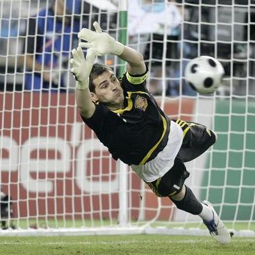 IKer Casillas Kiper Terbaik di Dunia 2012