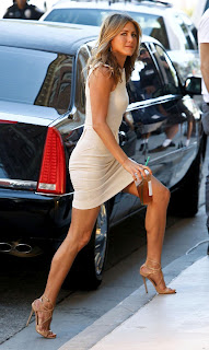 Jennifer Aniston calves