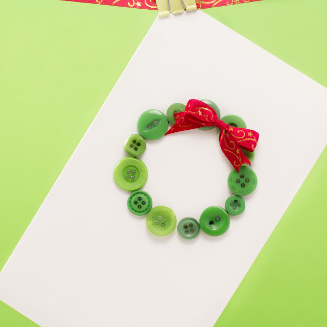 DIY Christmas Card - Button Wreath