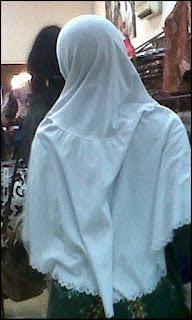 foto-cerpen-remaja-jemu-pakai-hijab