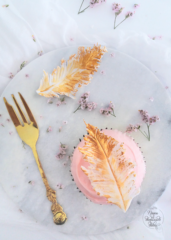 hummingbird-cupcakes-plumas-fondant-pocahontas