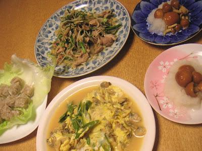 夕食の献立 献立レシピ 飽きない献立 アサリの卵とじ 肉野菜炒 なめこおろし シューマイ