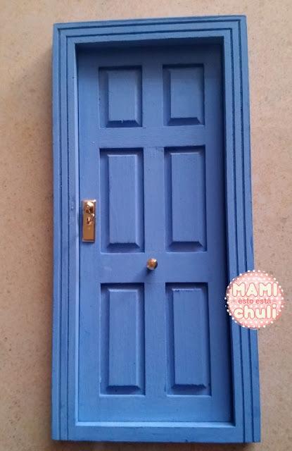 puerta-pintada-azul