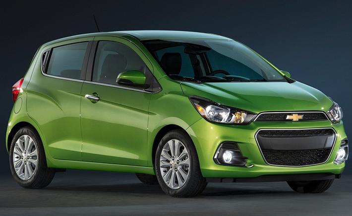El auto que más ahorra gasolina es el Chevrolet Spark con un rendimiento de 16.64 kilómetros por litro y Sonic con 13.64.( Foto: Chevrolet)