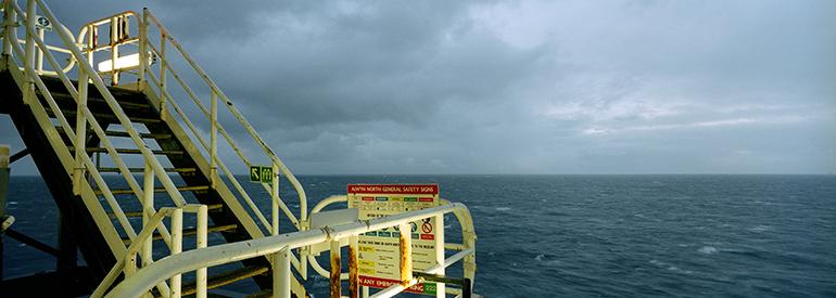 Photo panoramique de la Mer du Nord prise depuis une plateforme pétrolière parde François Lacour