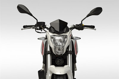 2016 Benelli TNT 15 front look