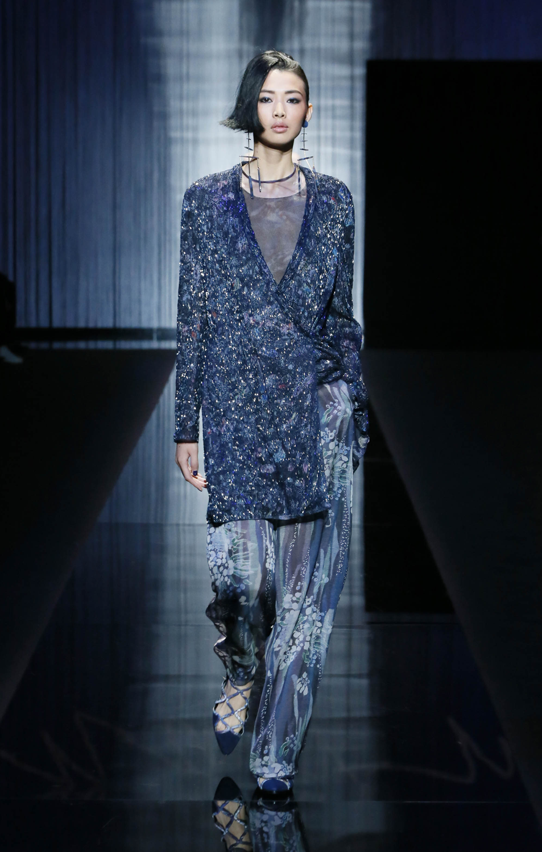 13592ec68b Moda Glamour Italia: Milano Moda Donna: Giorgio Armani P/E 2017
