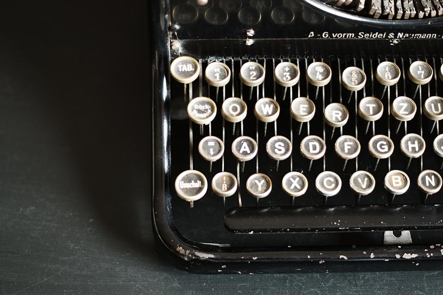 Blog + Fotografie by it's me - fim.works - Ideal B, Tastatur mechanische Schreibmaschine