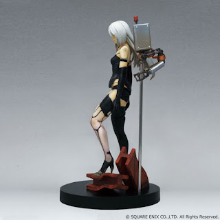 "YoRHa Type A No.2 & Pod 042 de ""NieR:Automata"" - Square Enix"