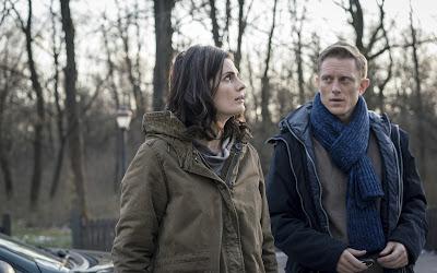 Conhecida dos fãs do canal por Castle, atriz protagoniza série sobre agente do FBI que tenta retomar a vida depois de ser dada como morta por seis anos - Divulgação