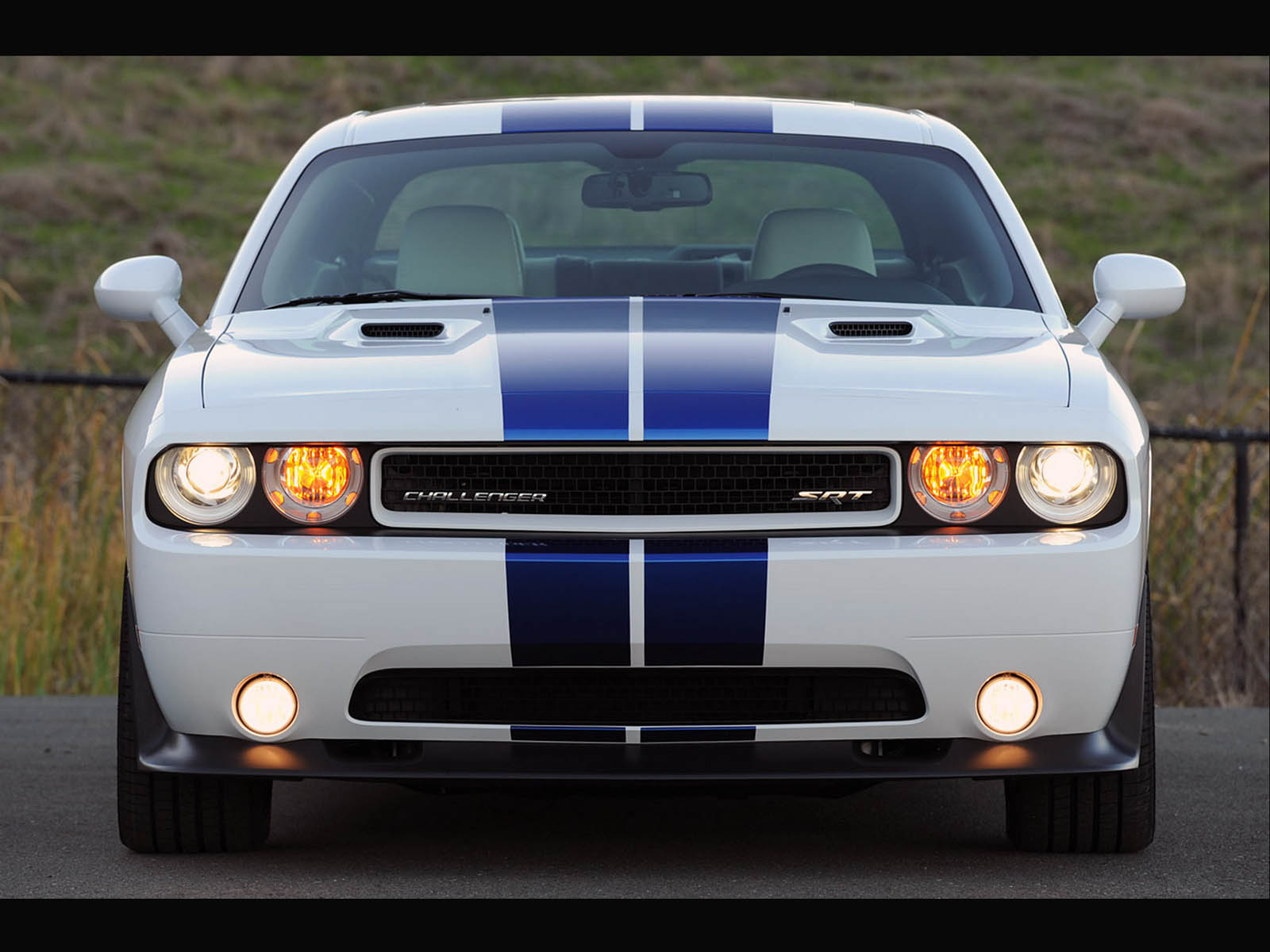 wallpaper: Dodge Challenger SRT8 Car