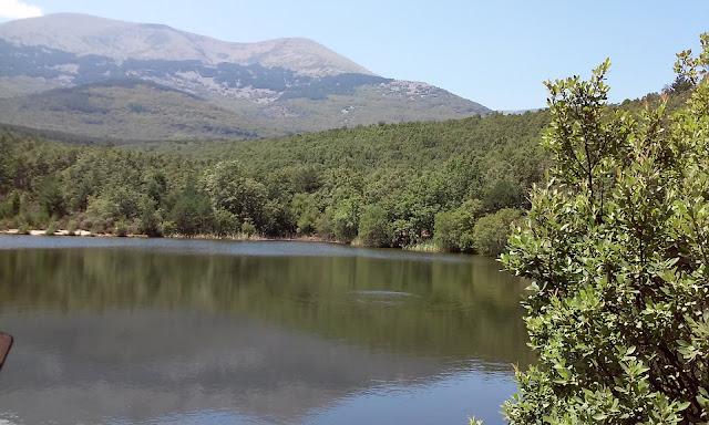 Moncayo-estanque