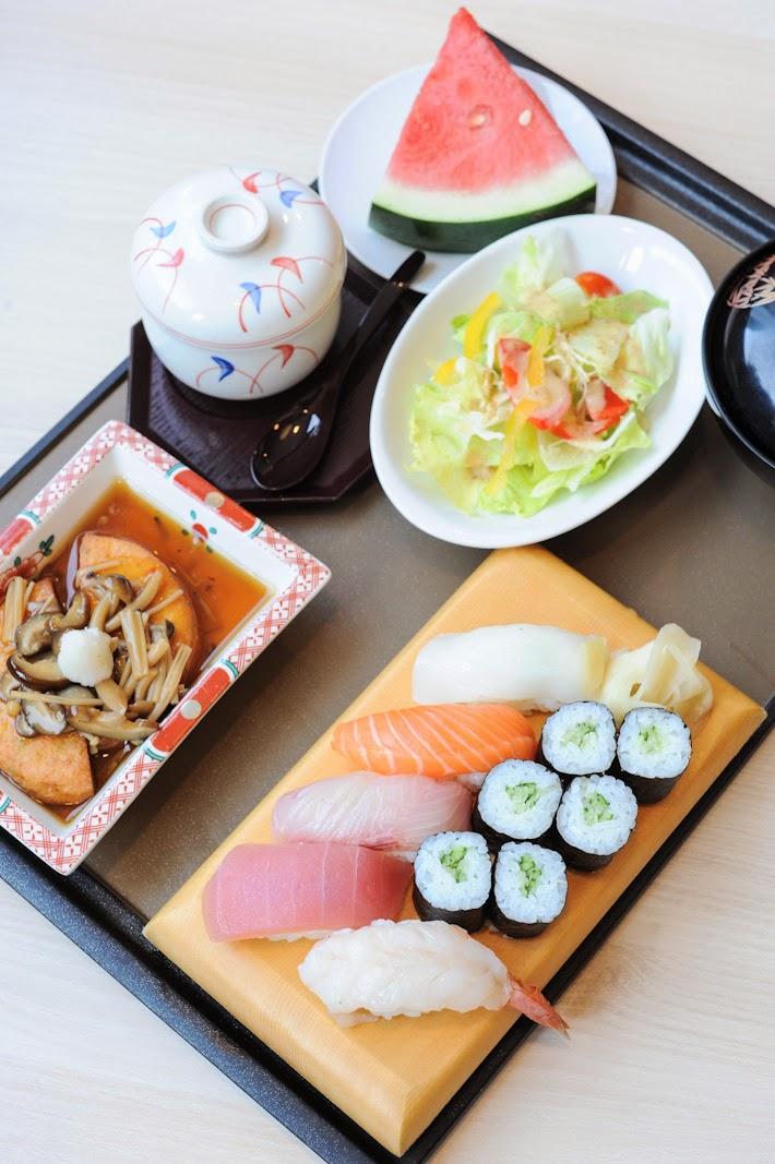 Tomi Sushi Bar Singapore
