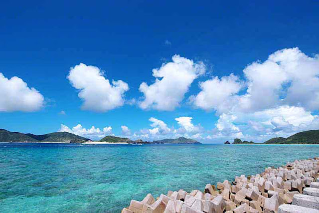 Blue skies and emerald seas at Zamami-jima, Okinaa