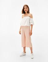https://www.bershka.com/be/nl/dames/kleding/basics/pliss%C3%A9-culotte-c1010193227p101172626.html?colorId=622