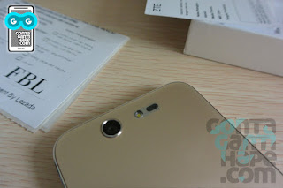 ZTE Blade S7 - Detail sisi belakang: Kamera 13MP, single LED Flash, Laser autofocus