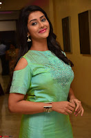 Pooja Jhaveri in Beautiful Green Dress at Kalamandir Foundation 7th anniversary Celebrations ~  Actress Galleries 063.JPG