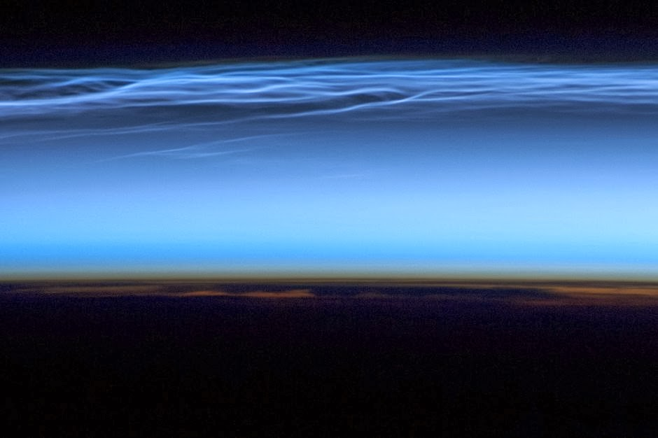 Noctilucent clouds over the Tibetan Plateau