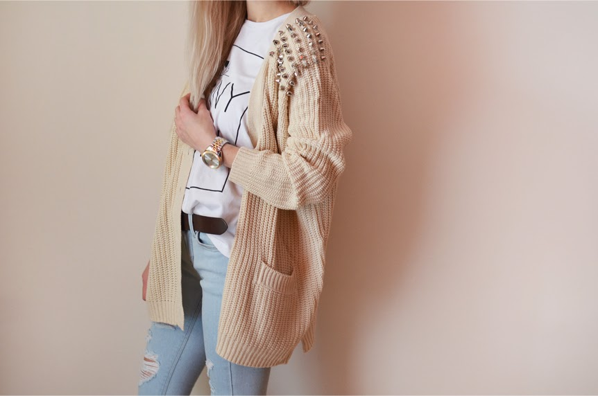 STUDDED CARDIGAN, RIPPED JEANS & GOLD WATCH
