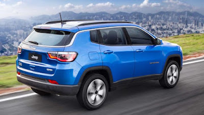 2017 Jeep Compass right side rear view