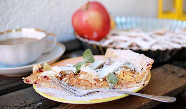Tarta z jabłkami na kruchym spodzie bez cukru